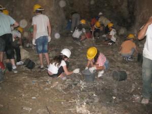 תלמידי הניסויי בחפירה (Copy)
