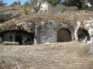 מערכות קברים חצובים בסלע (Copy)